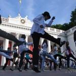 Поклонники Майкла Джексона станцуют в центре Одессы
